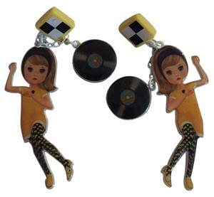 N2 N2 Super Cute Earrings