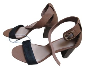 Old Navy Nude Ankle Strap Chunky Two Tone Casual Heels black & Tan Sandals