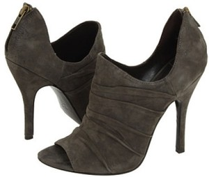 Elizabeth and James Skylar Suede Gray Pumps