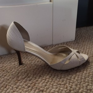 Ann Taylor D'orsay Peep Toe Ivory embossed croc Pumps