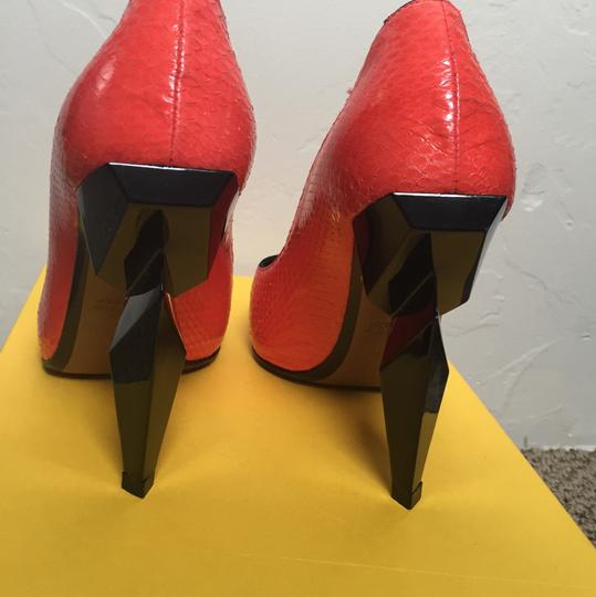 Fendi orange Pumps