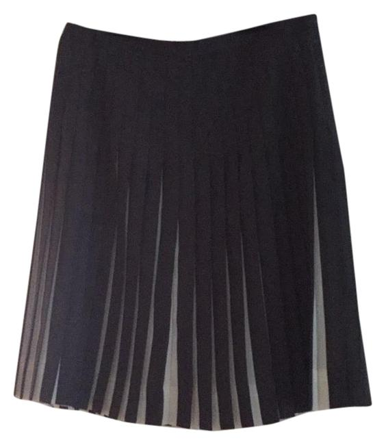 Preload https://img-static.tradesy.com/item/19412375/jcrew-knee-length-skirt-size-petite-0-xxs-0-1-650-650.jpg