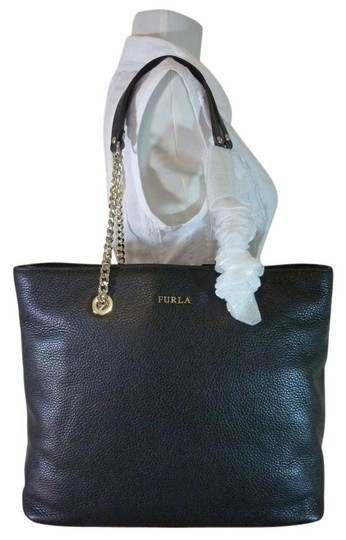 Preload https://img-static.tradesy.com/item/19413290/furla-julia-chain-black-pebbled-leather-tote-0-0-540-540.jpg