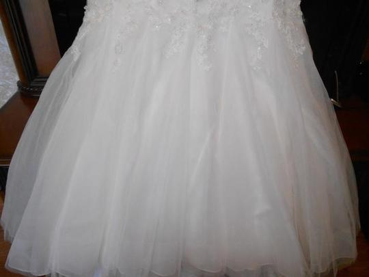 Ivory/Silver Tulle/Lace Bt13-16 Modern Wedding Dress Size 20 (Plus 1x)