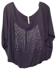 Willow & Clay Batwing Embroidered Knit Medium Embellished Top Blue
