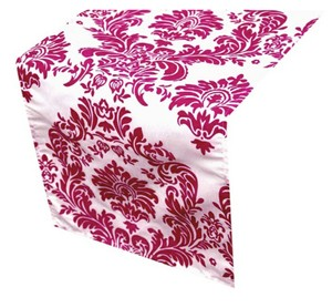 15 Table Runner (flocking) - White / Fushia