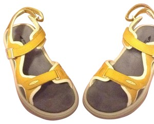 MBT Honey Sandals