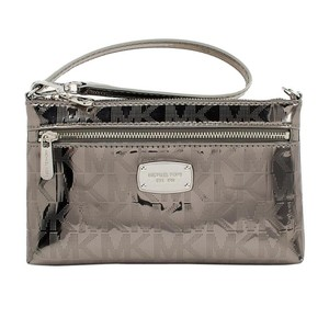 Michael Kors 190049116500 35s6mttw3z Wristlet in Nickel