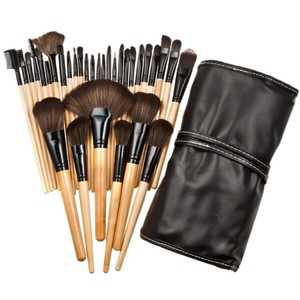33pc. Natural Wood Makeup Brush Set with Nylon Bristles