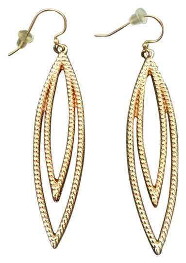 Preload https://img-static.tradesy.com/item/19415833/gold-dangle-earrings-0-1-540-540.jpg