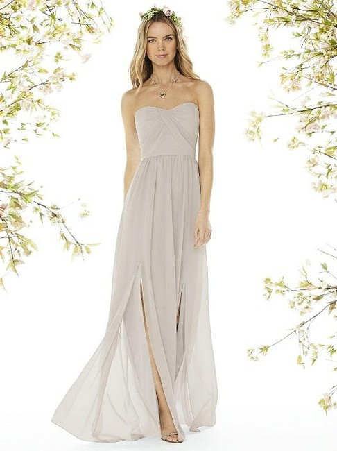 Item - Oyster Nu-georgette 8159 Bridesmaid/Mob Dress Size 12 (L)