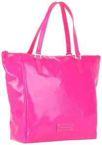 Marc by Marc Jacobs Tote in Neon Pink