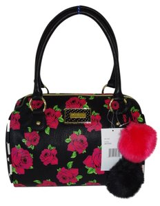Betsey Johnson Large Barrel Satchel in black