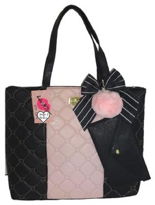 Betsey Johnson Two Wristlet Black/Blush Tote in blush/black