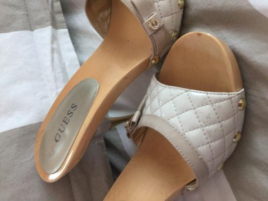 Guess Cream Pumps