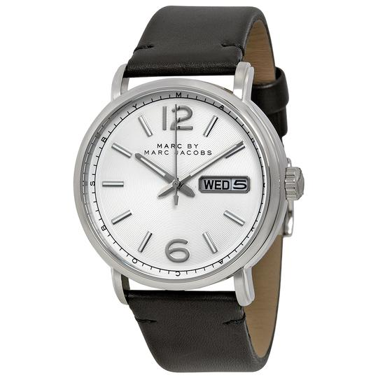 Preload https://img-static.tradesy.com/item/19421302/marc-by-marc-jacobs-silver-women-sblack-leather-mbm5076-watch-0-0-540-540.jpg