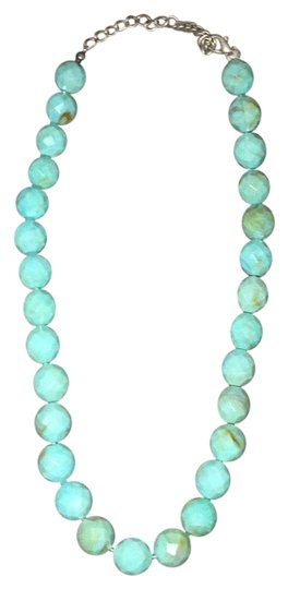 Preload https://img-static.tradesy.com/item/19421469/turquoise-beaded-necklace-0-1-540-540.jpg