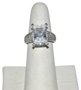 Victoria Wieck Victoria Wieck Absolute Diamond Cocktail Ring Size 8