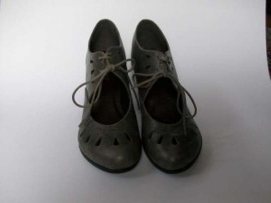 Nomad Footwear Vintage Cut-out Gray Pumps