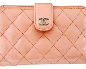 Chanel CHANEL FLAP WALLET CC LIGHT PINK QUILTED PATENT BI-FOLD
