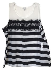 Charming Charlie Top Black and white