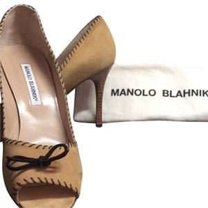 Manolo Blahnik Light Tan Pumps