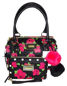 Betsey Johnson Large Barrel Satchel in black/rose print