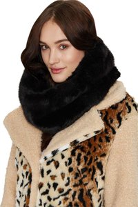 Nasty Gal Nasty Gal Neck and Neck Faux Fur Infinity Scarf - Black