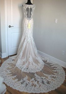 Allure Bridals Gold/Ivory Lace 2956 Feminine Wedding Dress Size 6 (S)