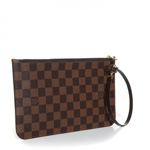 Louis Vuitton NEW WITH TAGS. Damier Ebene MM GM Wrislet Pouch