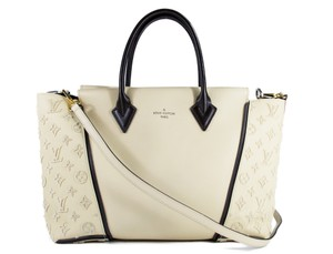 Louis Vuitton Lv W Lv Tote in beige and black