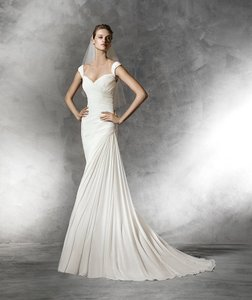 Pronovias Bena Wedding Dress
