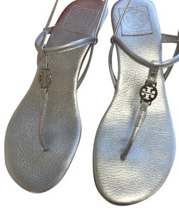 Tory Burch Sandal Pebbled Leather Silver Metallic Wedges