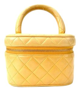 Chanel Quilted Leather Cosmetic Travel Powder Make-up Tote Bag