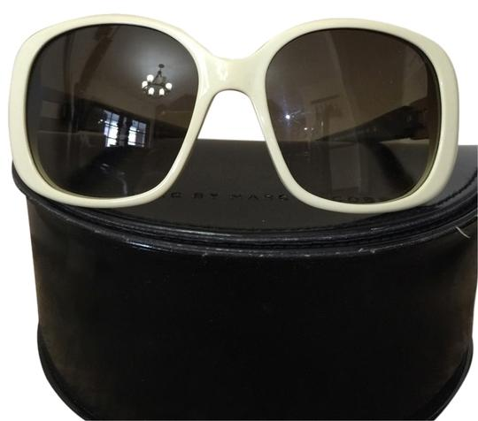 Preload https://item4.tradesy.com/images/marc-by-marc-jacobs-cream-sunglasses-1942948-0-0.jpg?width=440&height=440