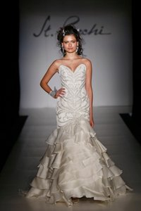 St. Pucchi 9380 (26) Wedding Dress