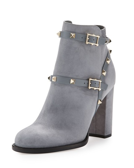 Preload https://img-static.tradesy.com/item/19430131/valentino-rockstud-suede-bootsbooties-size-us-8-regular-m-b-0-2-540-540.jpg