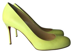 Christian Louboutin pale yellow Pumps