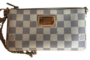 Louis Vuitton Wristlet in Damier
