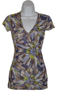 Sweet Pea by Stacy Frati Mesh Cap Casual V-neck Floral Top