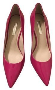 BCBGeneration Fuschia Pumps