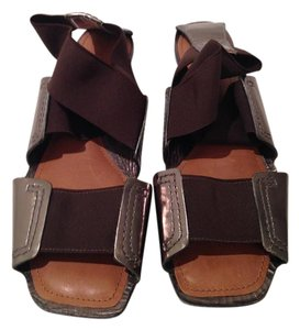 Theory Designer Leather Flat Stretchy Brown Sandals