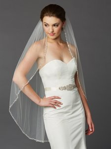 Mariell Ivory Beaded Edge Knee Length Wedding Veil