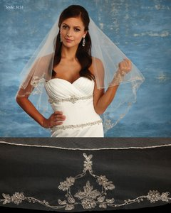 Ivory Medium Style 3151 Bridal Veil