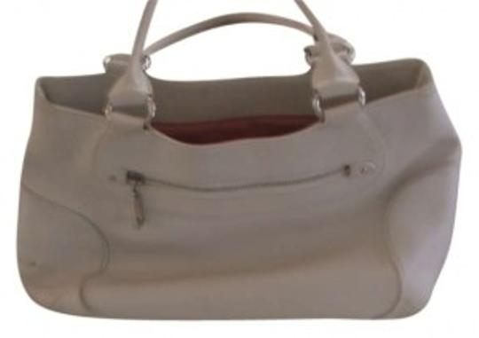 Preload https://item2.tradesy.com/images/cole-haan-white-leather-tote-194351-0-0.jpg?width=440&height=440