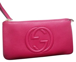 Gucci Wristlet in Bouganville pink