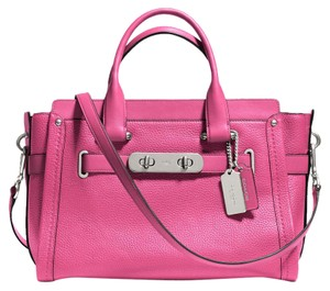 Coach Leather Swagger Elegant Double-turnlock Pebbled Leather Satchel in Pink