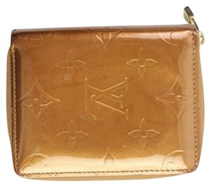 Louis Vuitton Bronze Vernis Zippy Wallet 12LVA909 LVTL40