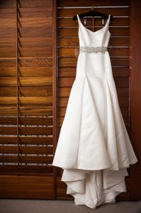 Ivory Satin Mermaid/Trumpet Wedding Dress Size 4 (S)