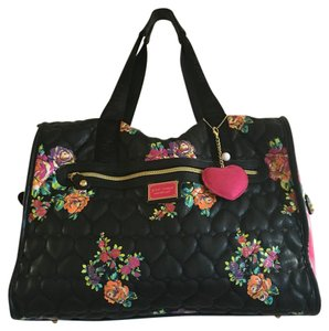 BetsyVille by Betsy Johnson Bkack/Pink/Flowers Travel Bag